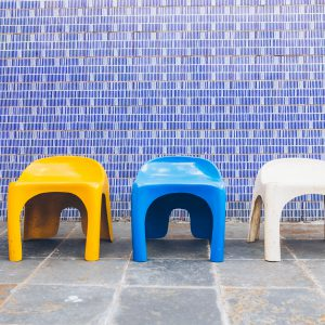 banquinho_fibra_forma_1_-_fibra_de_vidro_original_-_pe_palito_vintage