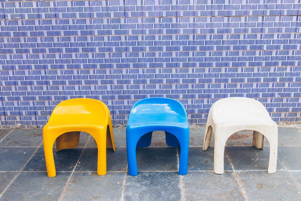 banquinho_fibra_forma_2_-_fibra_de_vidro_original_-_pe_palito_vintage