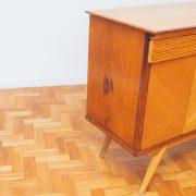 buffet_aparador_gold_dec_50_detalhe_pe_palito_vintage