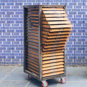 gaveteiro_-_papeleira_-_tipografico_1_-_pe_palito_vintage