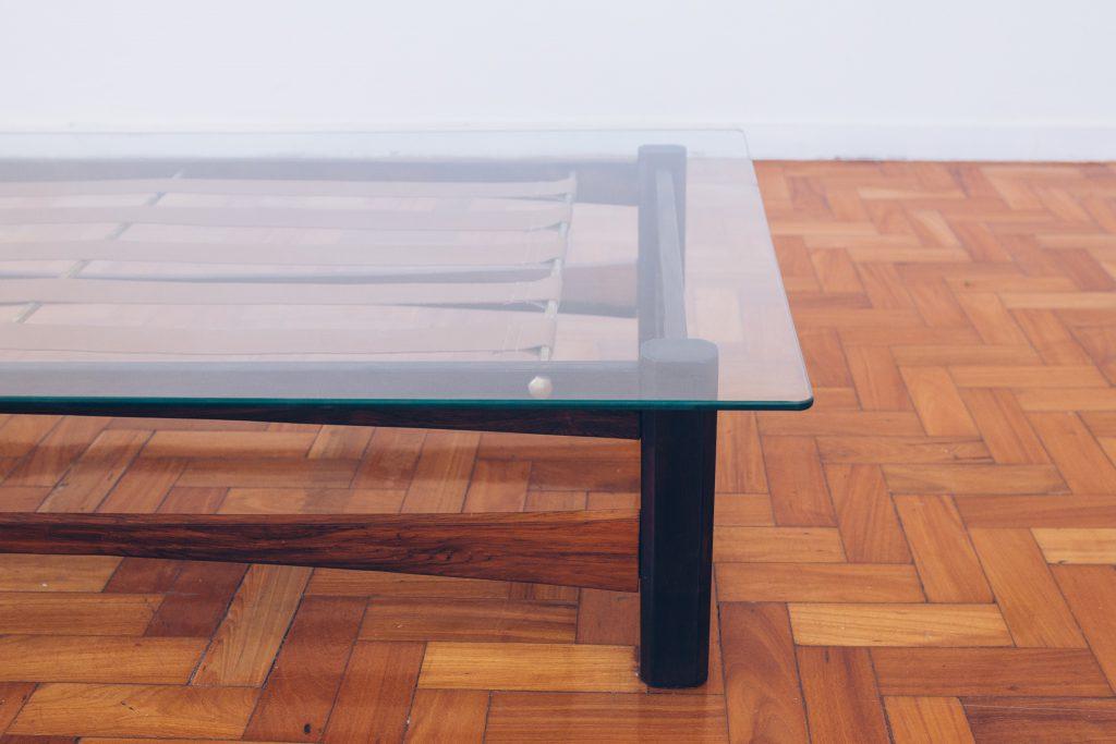 mesa_centro_-_coffee_table_-_jacaranda_latao_-_percintas_-_4_pe_palito_vintage