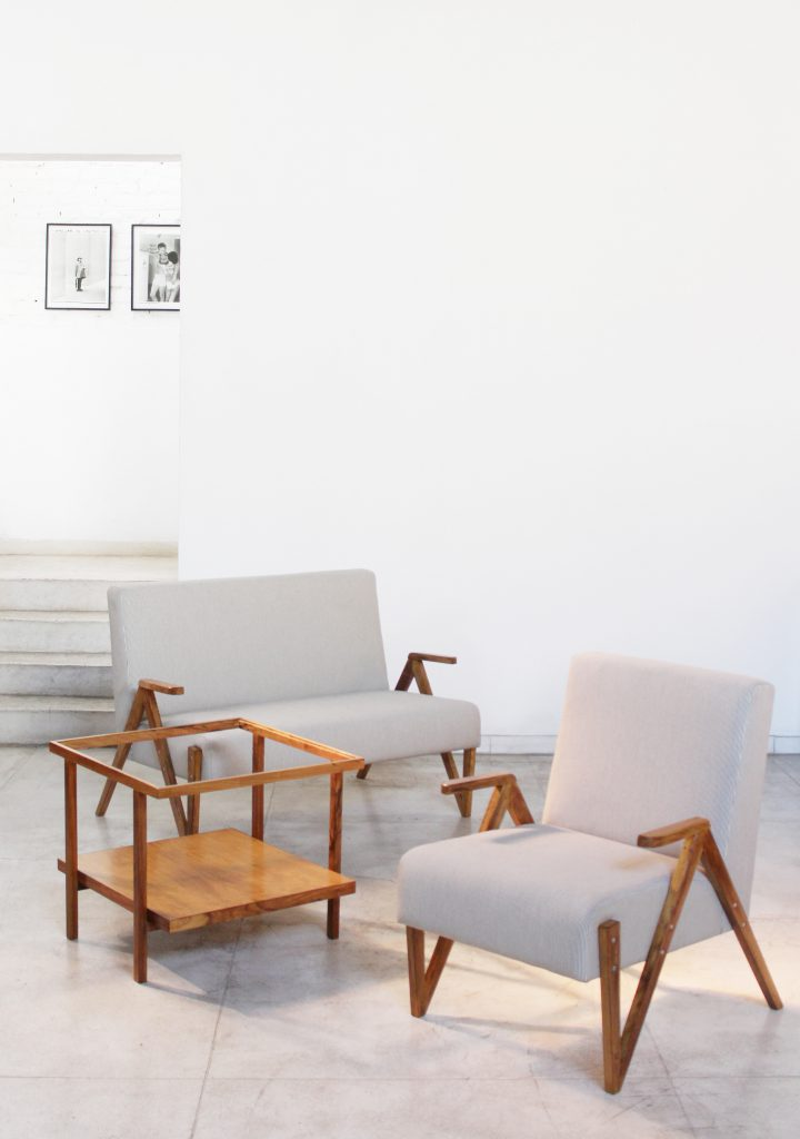sofa_02_lugares_original_dec_50_-_01_-_pe_palito_vintage_a