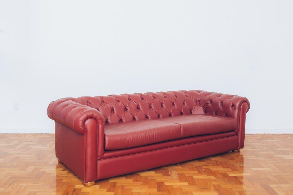 sofa_chesterfield_couro_original_de_epoca_-_vintage_1_pe_palito_vintage