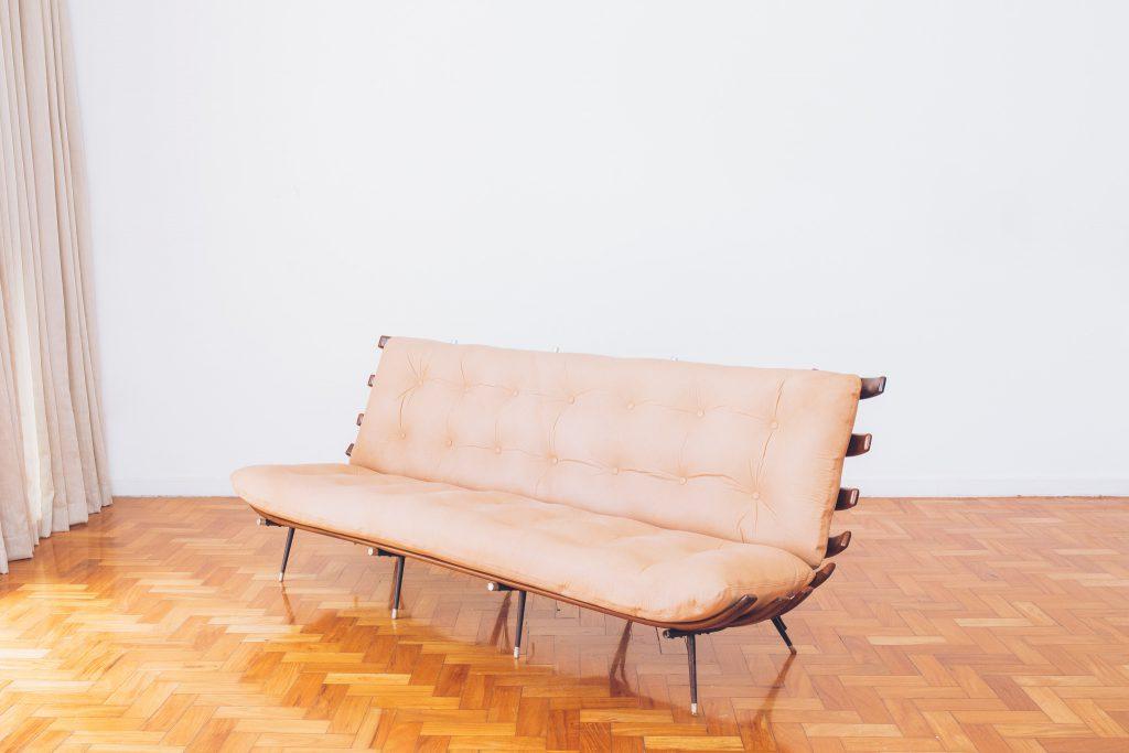 sofa_costela_original_-_bone_ottoman_forma_-_carlo_hauner_e_martin_eisler_-_1_dec_50_pe_palito_vintage