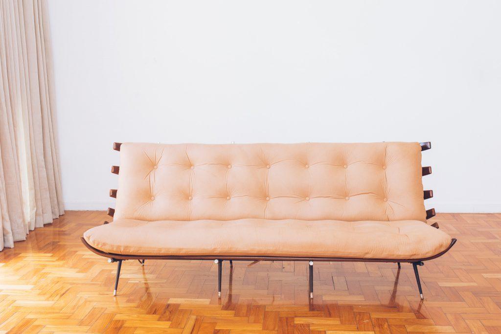 sofa_costela_original_-_bone_ottoman_forma_-_carlo_hauner_e_martin_eisler_-_2_dec_50_pe_palito_vintage