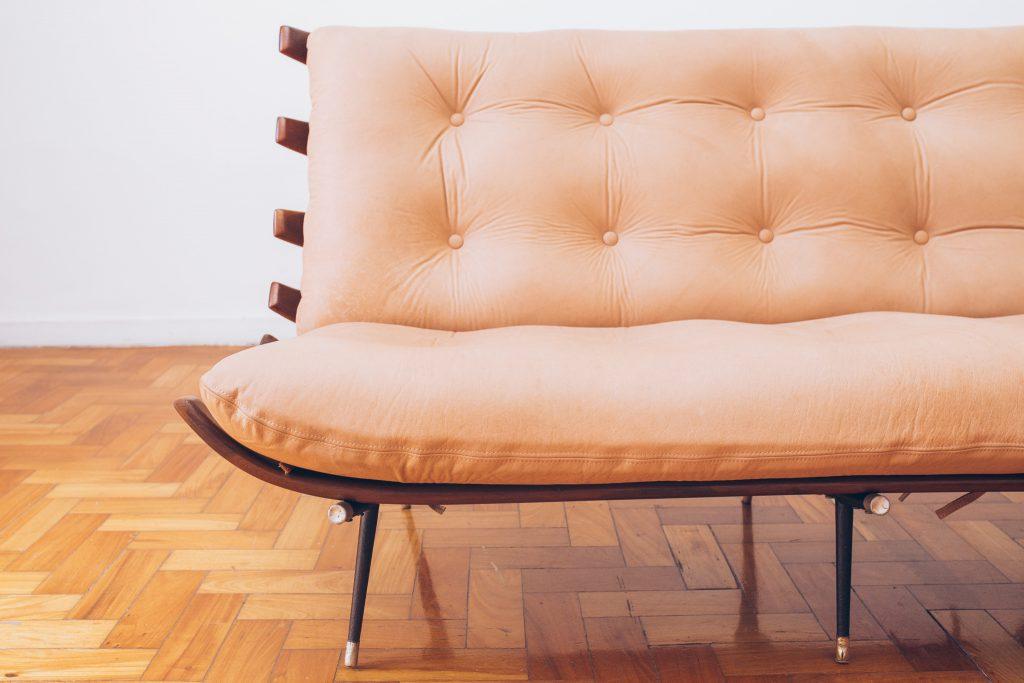sofa_costela_original_-_bone_ottoman_forma_-_carlo_hauner_e_martin_eisler_-_6_dec_50_pe_palito_vintage