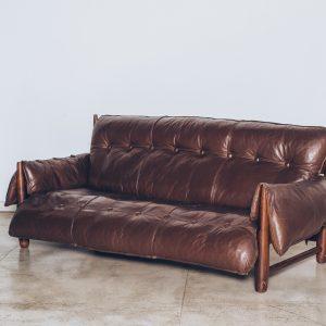 Sergio Rodrigues-sofa-mole-jacarandá 2