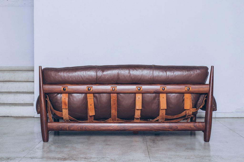 Sergio Rodrigues-sofa-mole-jacarandá 3