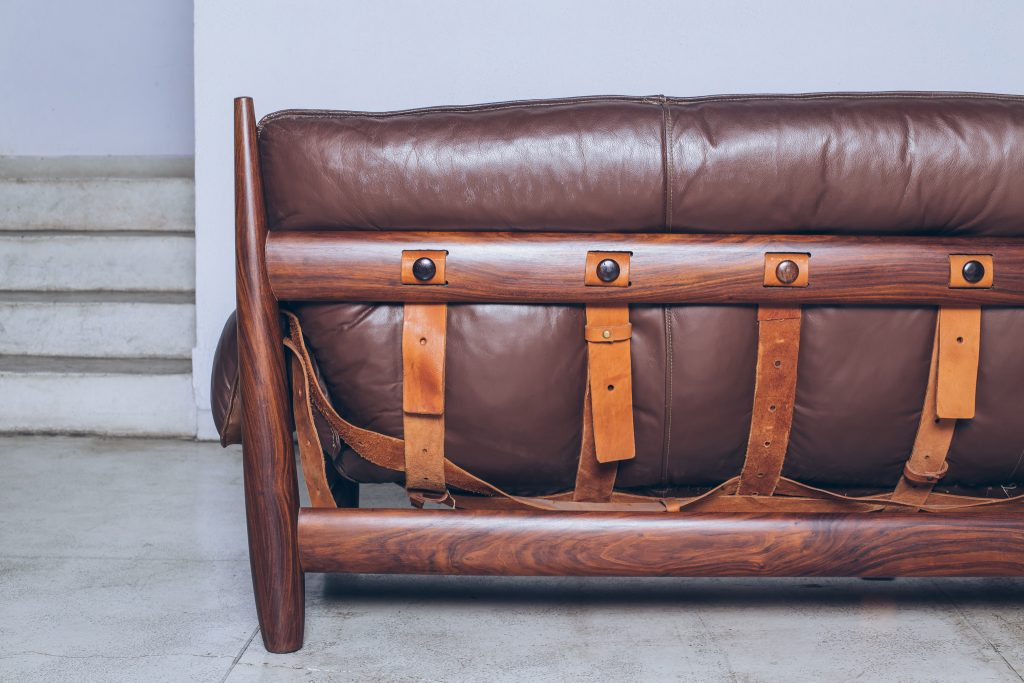 Sergio Rodrigues-sofa-mole-jacarandá 4