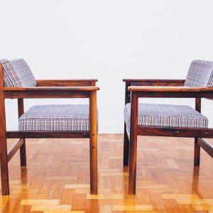 Cadeira Tião com Braços 1 - Sergio Rodrigues - Jacarandá - Pé Palito Vintage
