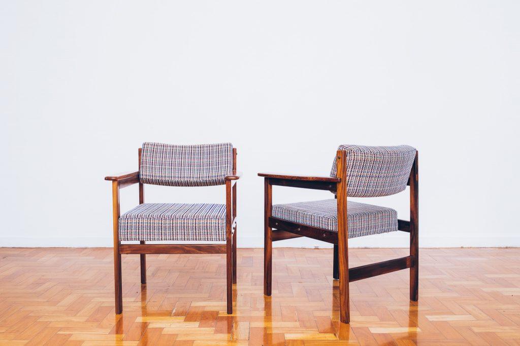 Cadeira Tião com Braços 3 - Sergio Rodrigues - Jacarandá - Pé Palito Vintage