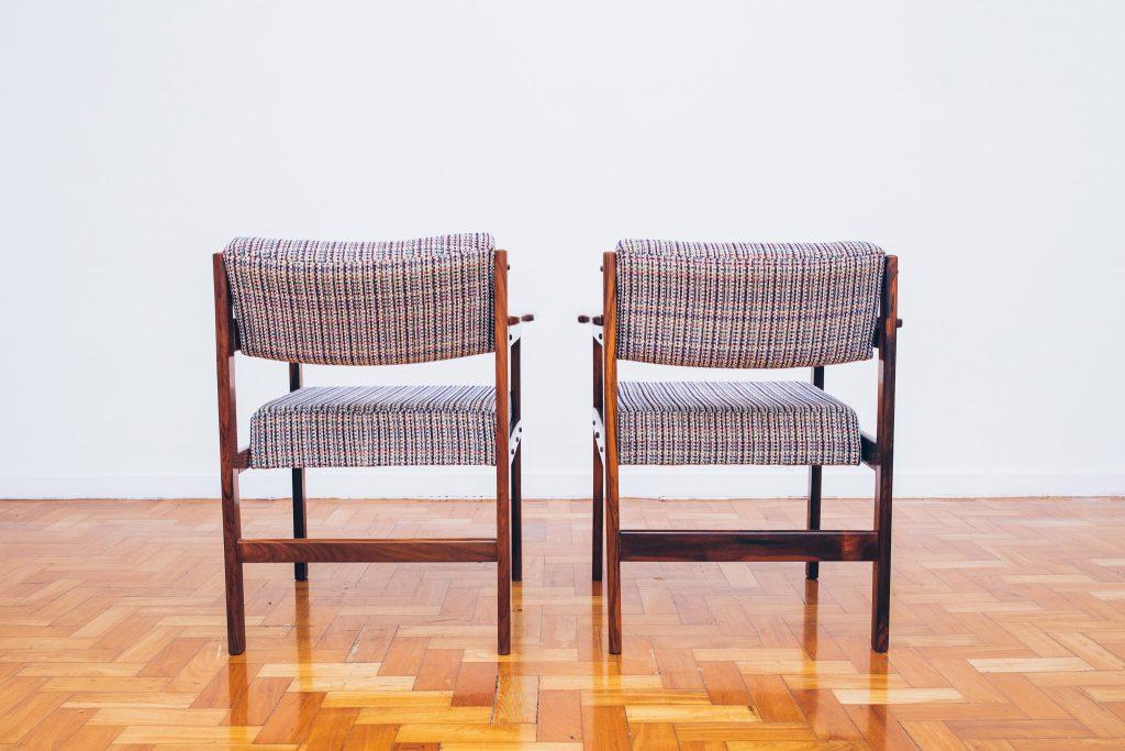 Cadeira Tião com Braços 4 - Sergio Rodrigues - Jacarandá - Pé Palito Vintage