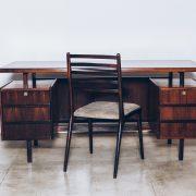Cadeira Jacarandá Maciço e Pelica 3 - Anos 50 - Pé Palito Vintage