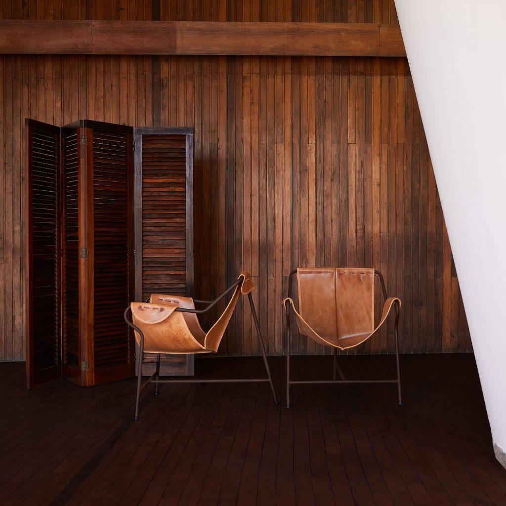 Biombo Venezianas Jacarandá - 1 - Pé Palito Vintage - Photo Henrique Falci