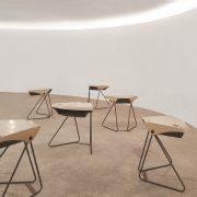 Mesa Reunião - Carteira Grupo Forsa L'Atelier Móveis - 3 - Pé Palito Vintage - Photo Henrique Falci