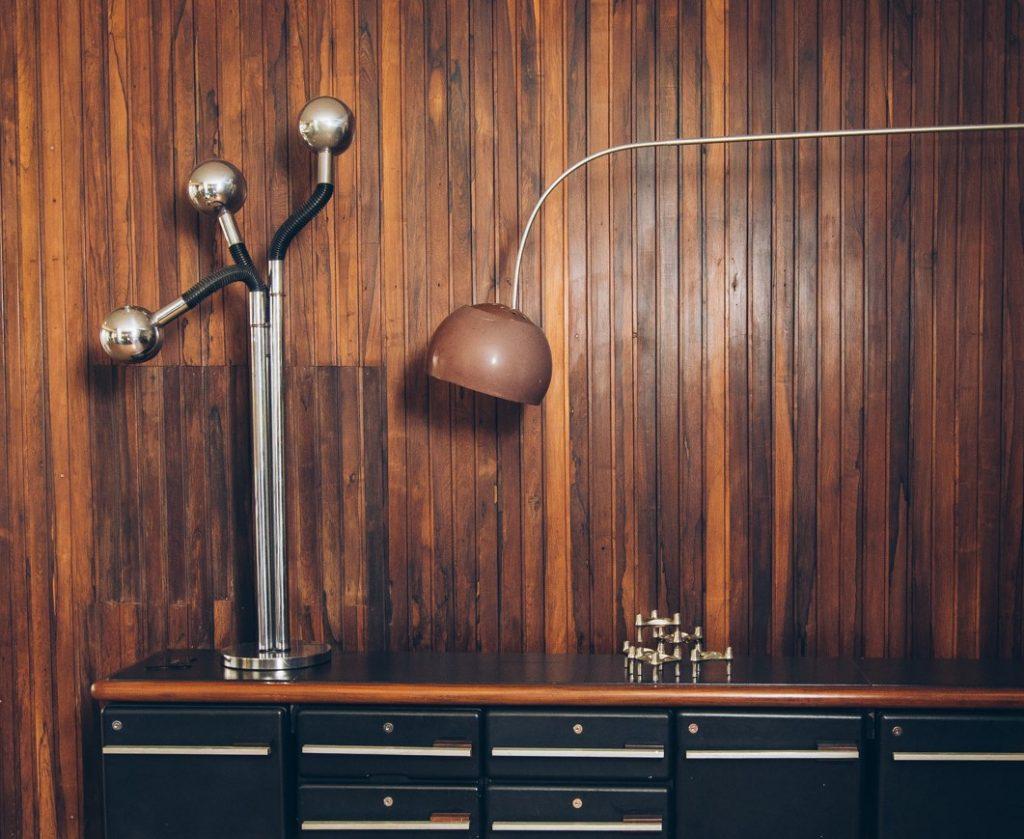 Luminária Anos 70 cromada - Pé Palito Vintage (2)