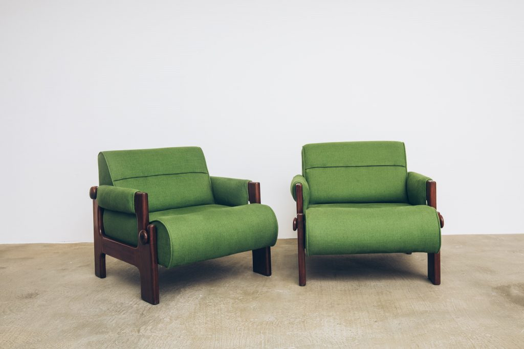 Poltrona Vintage H - original – 2 - Pé Palito Vintage