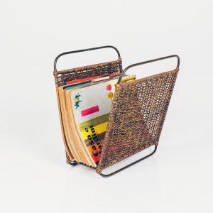 Revisteiro Junco Anos 50 - 1 - Pé Palito Vintage