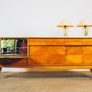 Buffet-Claro-com-Bar---03---Pé-Palito-Vintage
