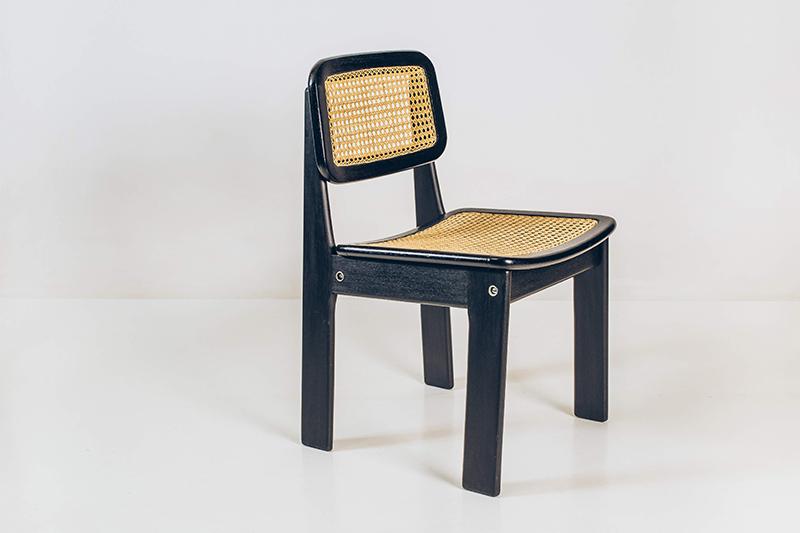 Cadeiras-Hobjeto---02---Pé-Palito-Vintage
