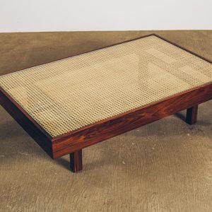 Mesa-de-Centro-Palhinha---01---Pé-Palito-Vintage