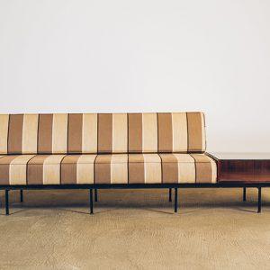 Sofá-Ambiente---01--Pé-Palito-Vintage