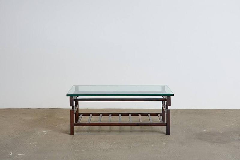mesa-de-centro-branco-e-preto---3---pe-palito-vintage