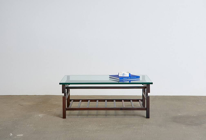 mesa-de-centro-branco-e-preto---4---pe-palito-vintage