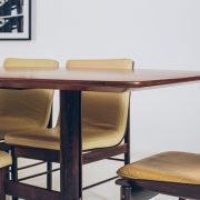 Mesa-de-Jantsar-C240--4---Pé-Palito-Vintage