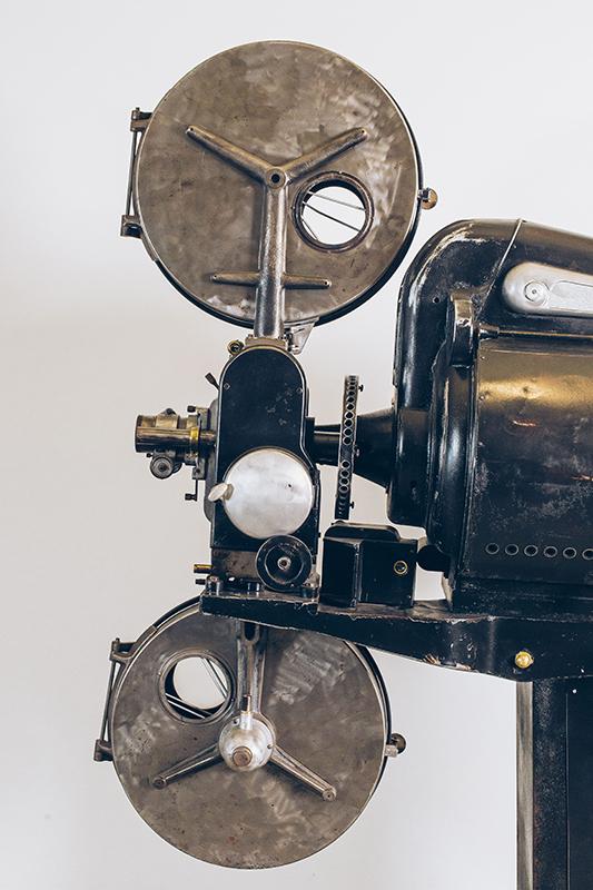 Projetor-de-Cinema-2---Pé-Palito-Vintage