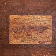 mesa-lateral-com-revisteiro---3---pe-palito-vintage