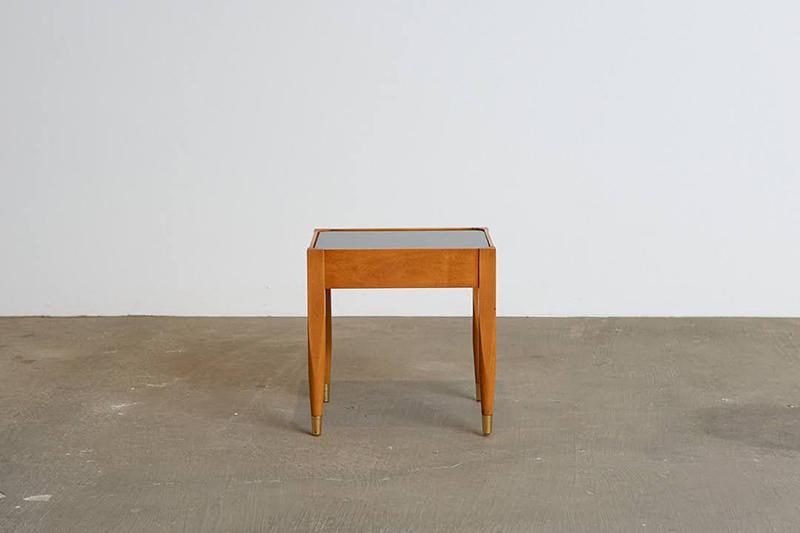 mesa-lateral-vidro-laqueado---1---pe-palito-vintage