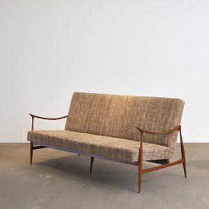 sofa-leve---1---pe-palito-vintage