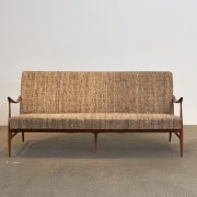 sofa-leve---2---pe-palito-vintage
