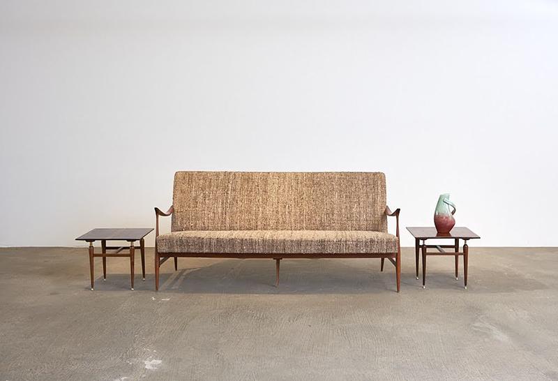 sofa-leve---3---pe-palito-vintage