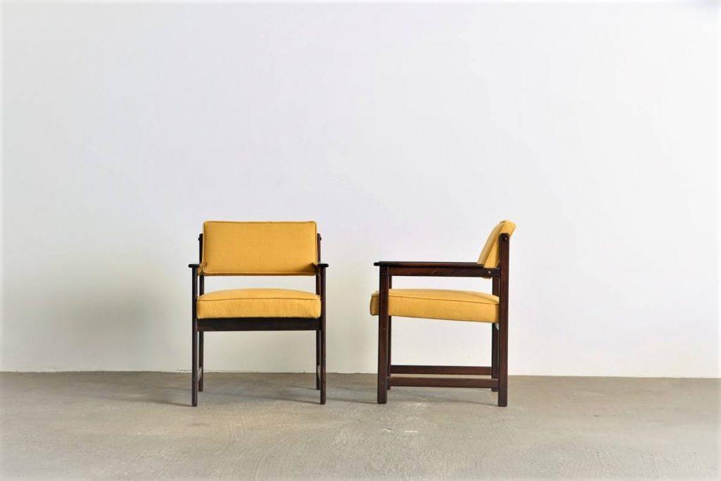 cadeira_com_braco_jacaranda_2_pe_palito_vintage