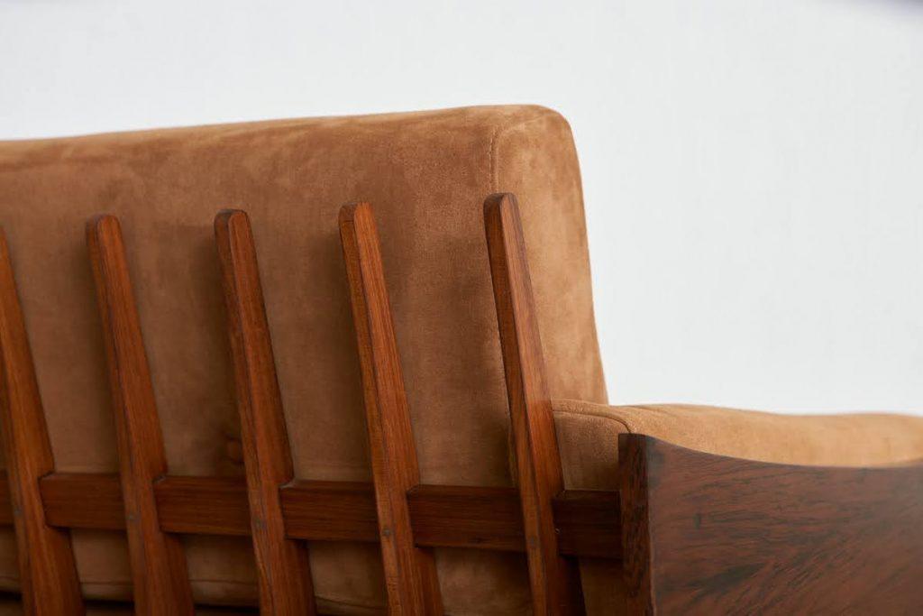 sofa_barbatana_4_pe_palito_vintage