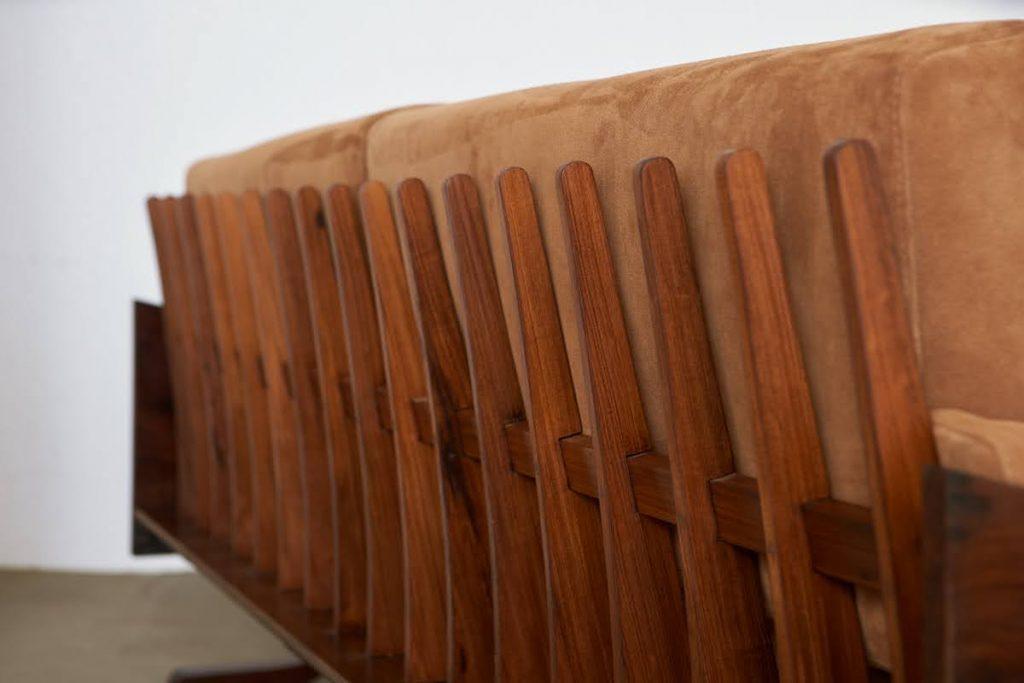 sofa_barbatana_6_pe_palito_vintage